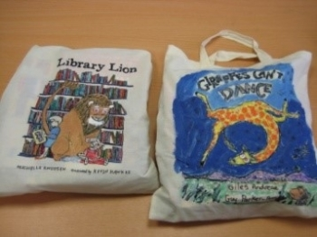Story Sacks for Parents in Gaelscoil Bhaile Munna!